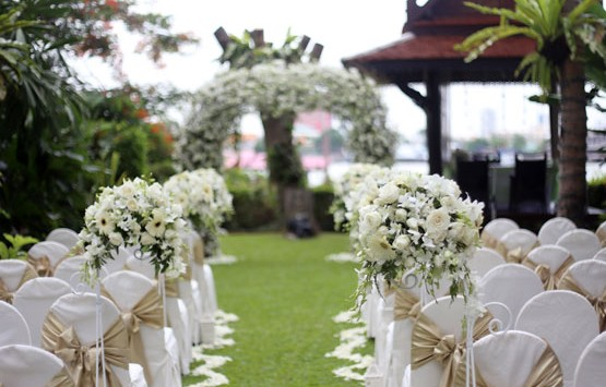 Advise on finding a wedding caterer